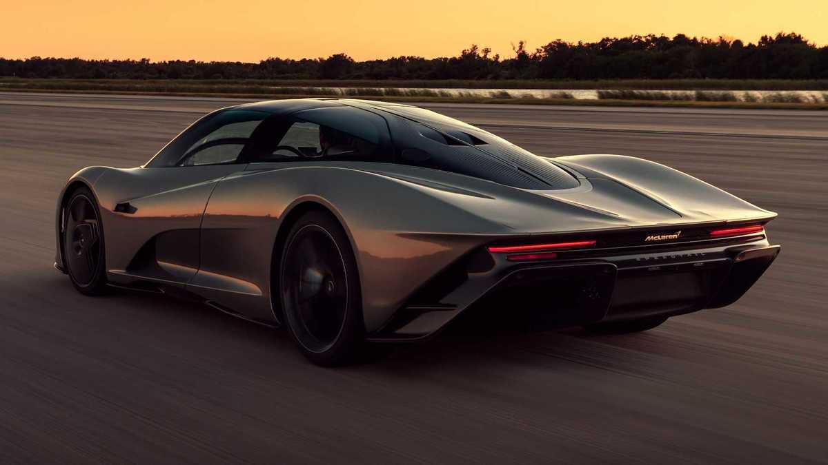 McLaren Speedtail arrière