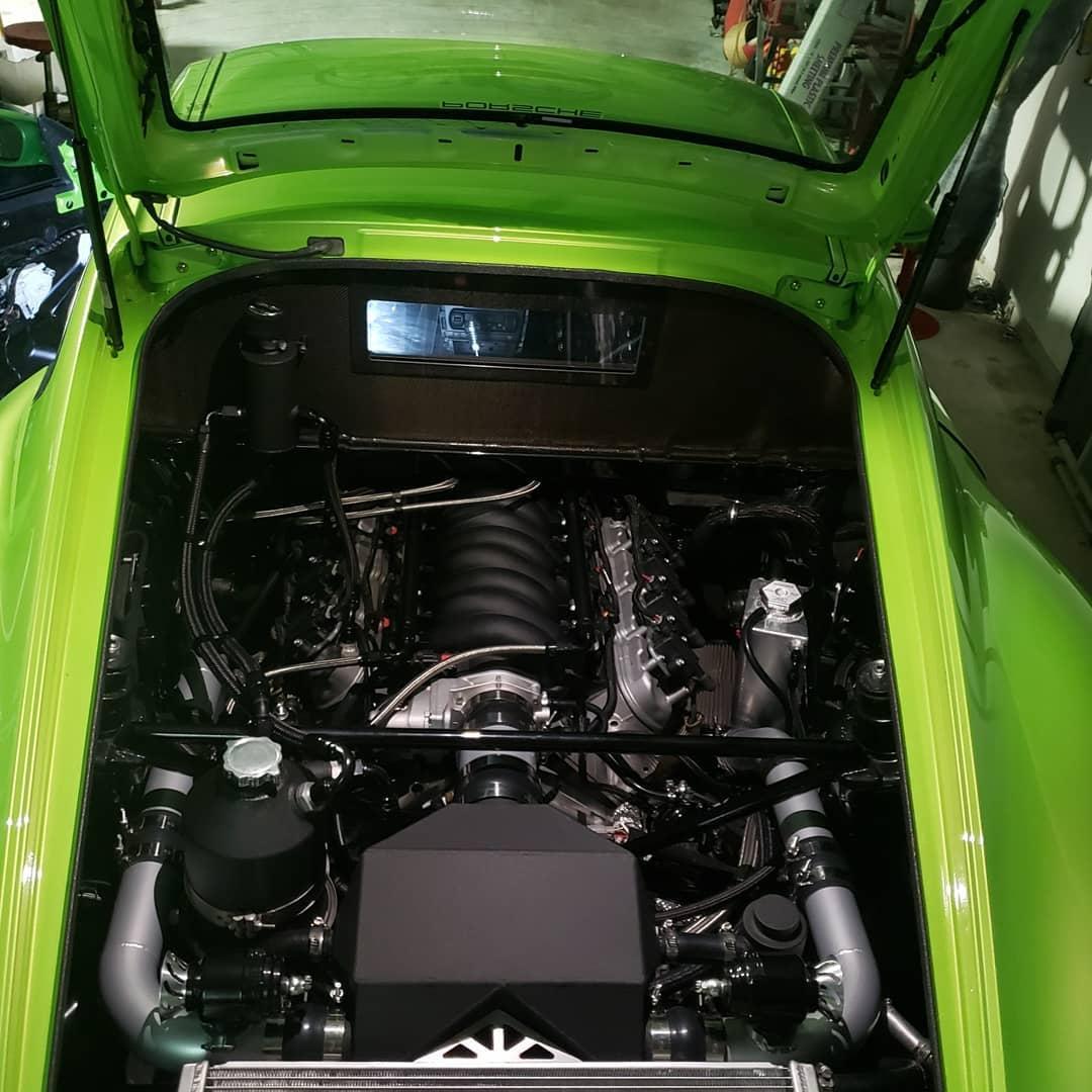 Porsche Cayman V8 Corvette